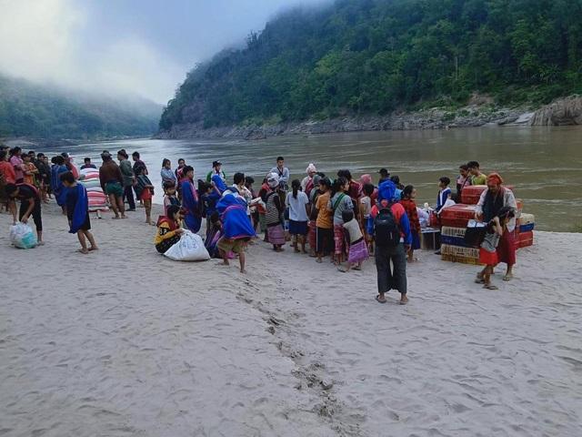MYANMAR / THAILAND – Relief for Karen Refugees